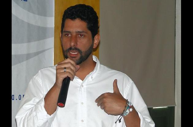 Dionisio Vélez, aspirante a la Alcaldía.