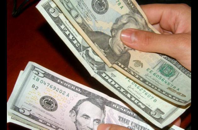 Con Semana Santa comienzan a escasear los dólares.