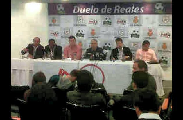 Reunión sobre el Duelo de Reales que se realiza en Bogotá.