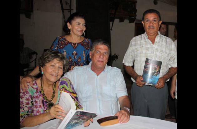Efraim Medina presenta nuevo  libro