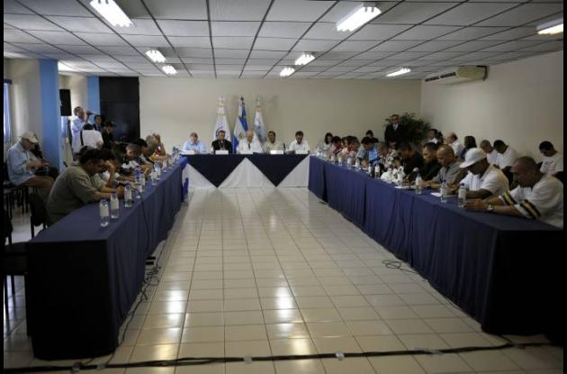 Desarme de pandillas en El Salvador