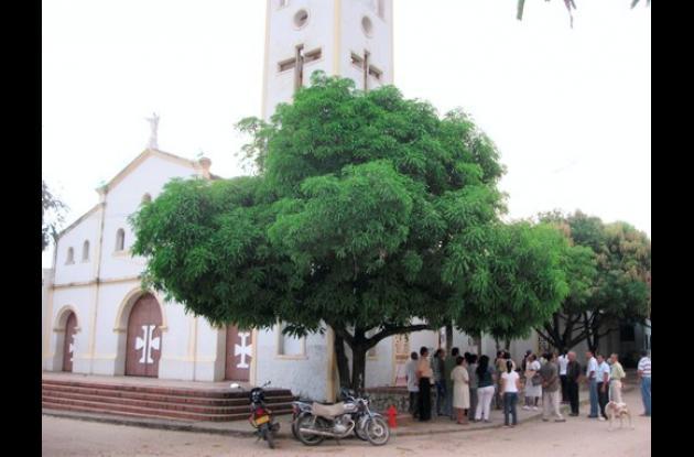 Feligresía de Santa Ana, Magdalena, denuncia profanación del templo parroquial.