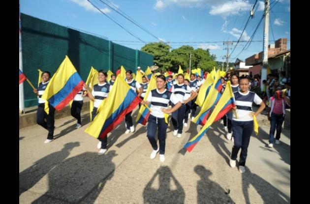 Desfile en conmemoración del 7 de agosto en El Carmen de Bolívar.