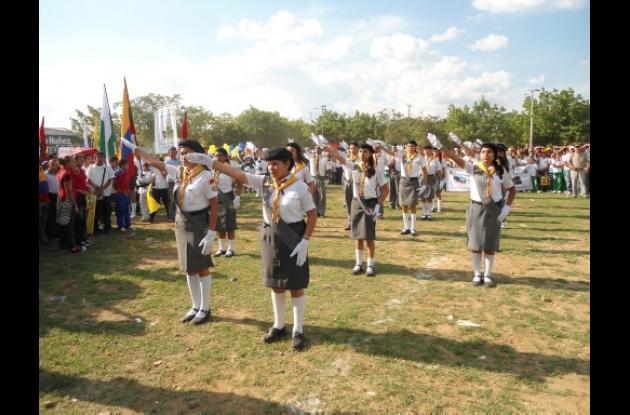 Las instituciones educativas del municipio participaron masivamente en el acto.