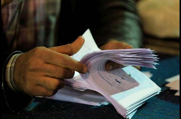 Islamistas ganan elecciones legislativas en Egipto.