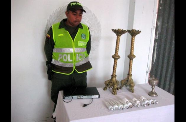 Policía recupera elementos de iglesia de Santa Ana, Magdalena.