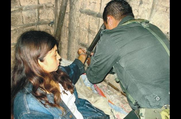 Libia Yuranis Rey estaba encadenada de pies y manos a la cama. La Policía la res