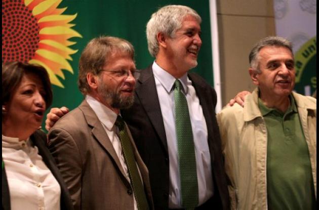 El Partido Verde se dividió tras la renuncia de Antanas Mockus.