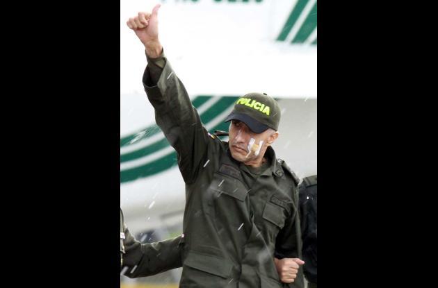Pasado el medio día y en medio de la lluvia llegó a Bogotá el sargento Luis Albe