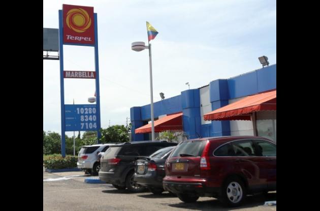 Reacciones por baja en precios de combustibles en Cartagena.