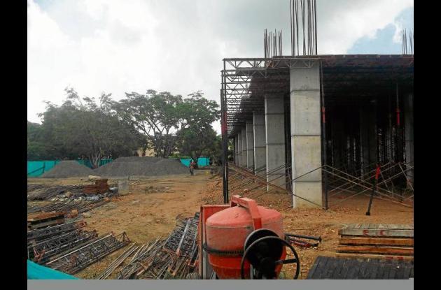 Trabajos de construcción de estadio 18 de junio en Montería.