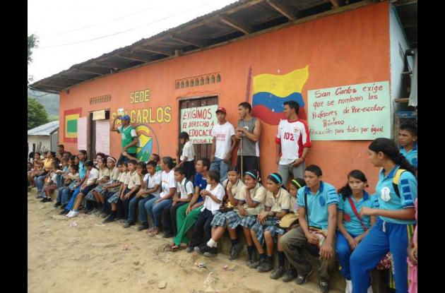 Los estudiantes de las zonas rurales de El Carmen de Bolívar exigen su derecho a