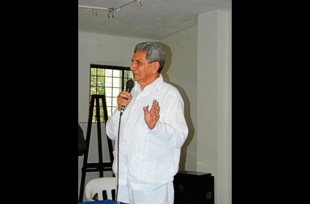 Carlos Ruiz Pacheco, abogado y fotógrafo sucreño.