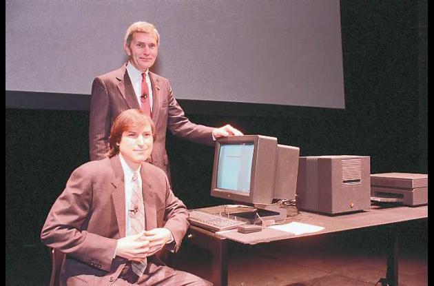 Steve Jobs, de NeXT Computer Inc. y David Norman de Businessland