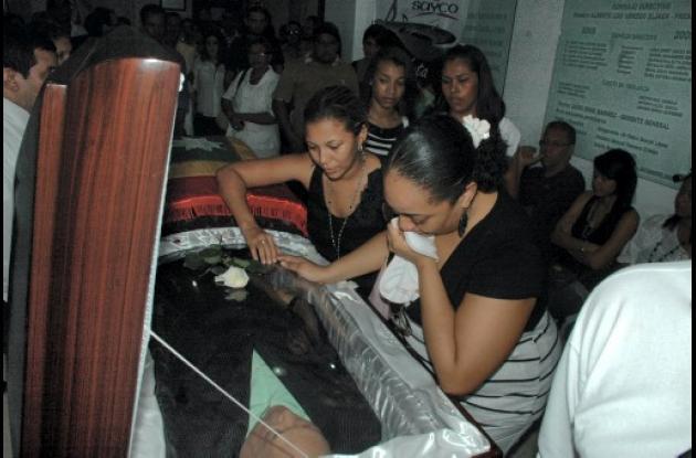Cadáver de Joe Arroyo llega a oficinas de Sayco