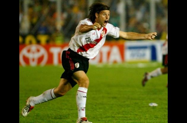 Fernando Cavenaghi, figura de River Plate, que debutará en la segunda el martes.