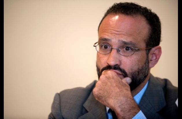 Agustín Acosta, abogado defensor de Florence Cassez, quien ha estado en prisión