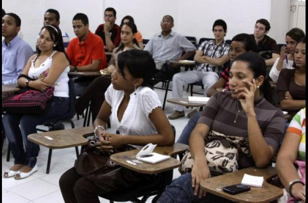 Unicartagena presentan proyecto para evitar deserción estudiantil.