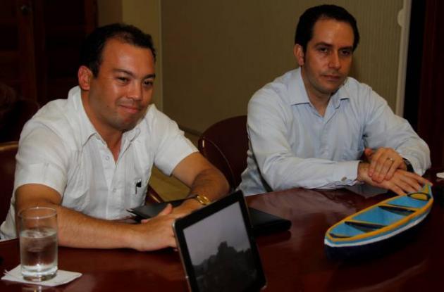 Luis Felipe Ruiz y Juan Wiches, funcionarios de La Agencia Nacional del Espectro