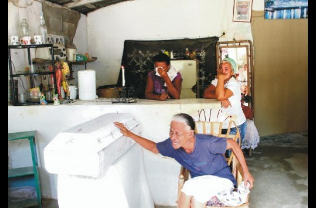 Escenas de llanto y dolor se vivieron en la casa del pequeño Hollman Navarro en