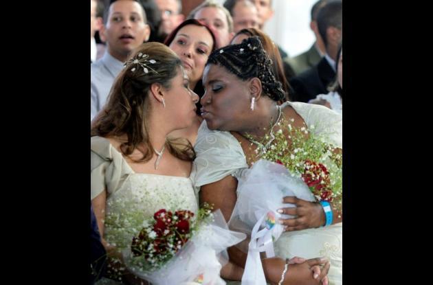 Desde el 4 de marzo del 2010, 548 parejas de hombres y 458 de mujeres lesbianas
