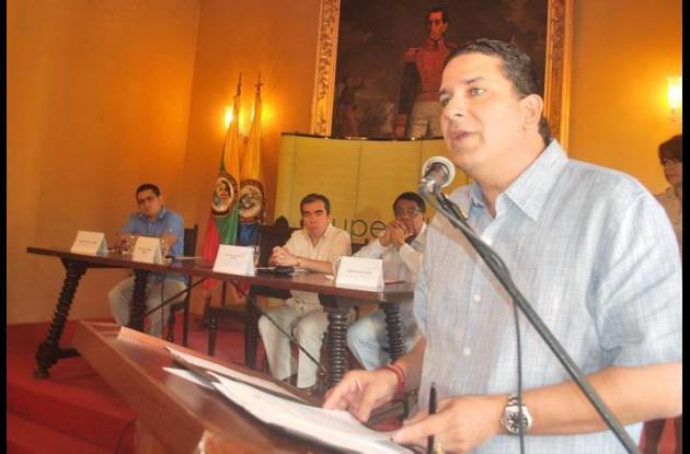 El gobernador Juan Carlos Gossaín expresó su reclamo en un acto que programó la