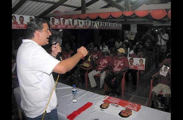 Juan Carlos Gossaín alborota banderas liberales en Magangué.