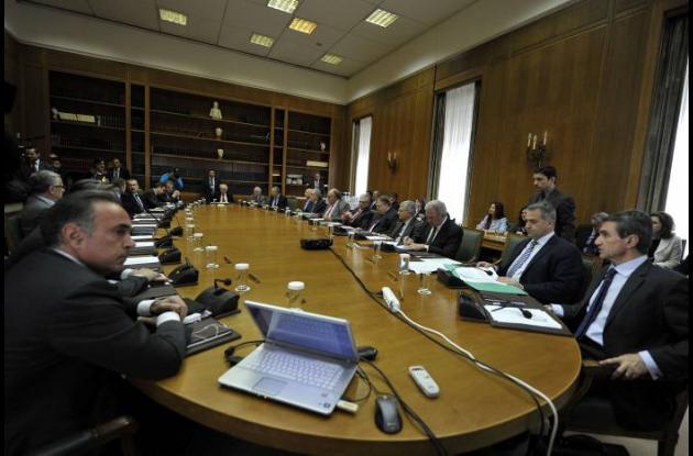 Grecia recine ayuda financiera.