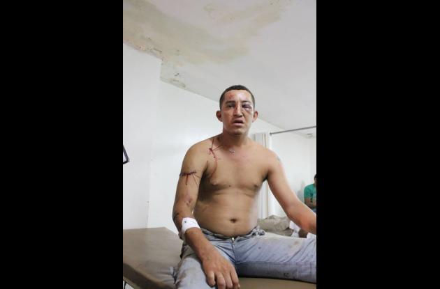 Nayib Acosta Sierra, herido por su madre.