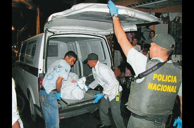 El cuerpo sin vida de la mujer, aún sin identificar, estaba en el cuarto de Edua