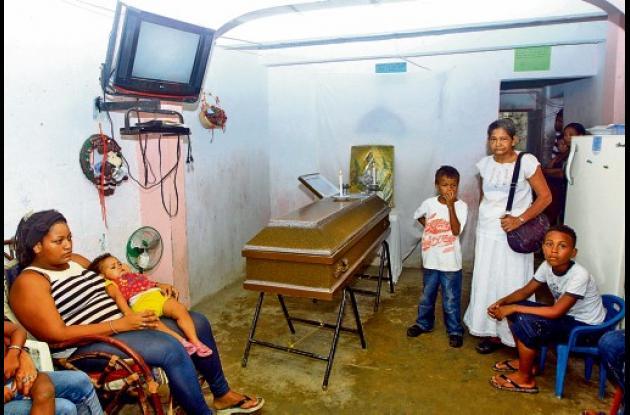 El cuerpo de Solbeis Blanco, de 18 años, fue velado en la casa de su madre en el