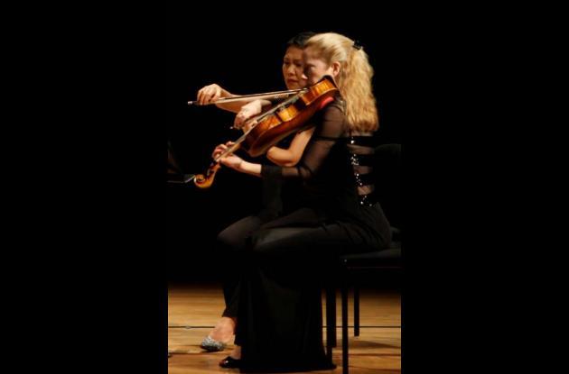 Lesley Robertson (Der.) y Hsin-Yun Huang.