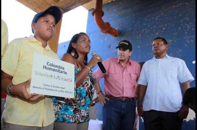 Daisy Manjarrés, habitante de Clemencia, Juan Carlos Gossaín y Jorge Luis Batist