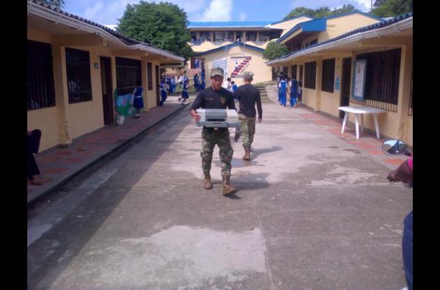Armada Nacional retira residuos electrónicos de San Andrés y Providencia.