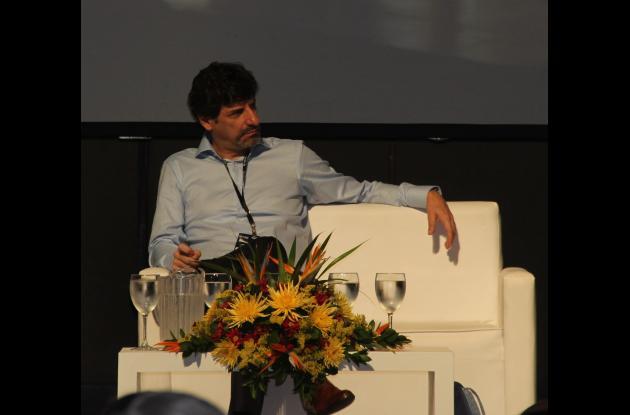 JUAN GABRIEL URIBE MINISTRO DE AMBIENTE