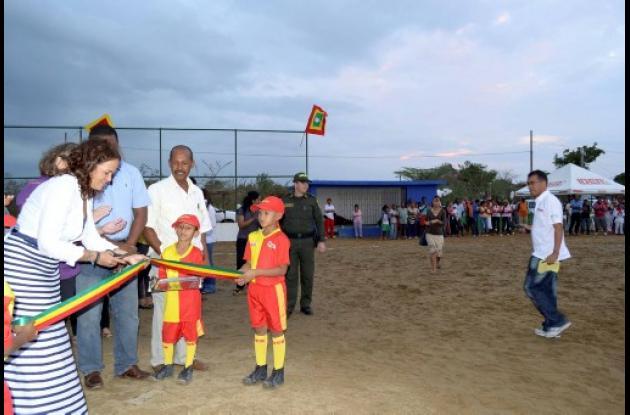 Inauguran obras en Tierra Baja