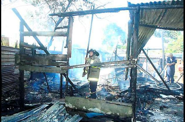 Incendio en sector pobre de Manga