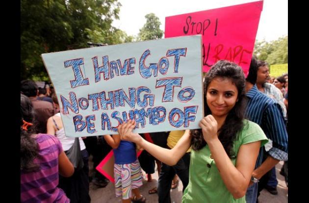 Mujeres hindúes protestan contra violencia sexual.