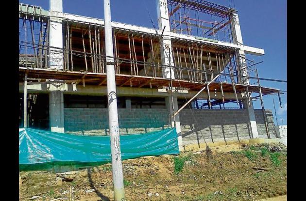 Construcción del estadio de béisbol en el municipio de Lorica.