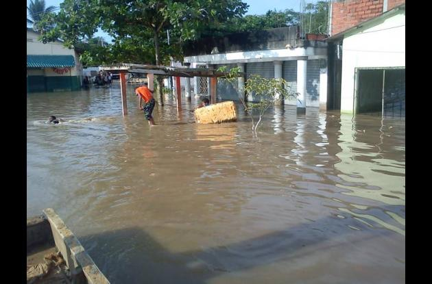 Lluvias inundan Arenal, Bolívar