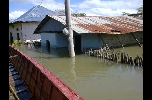VInculan inundaciones con calentamiento global.