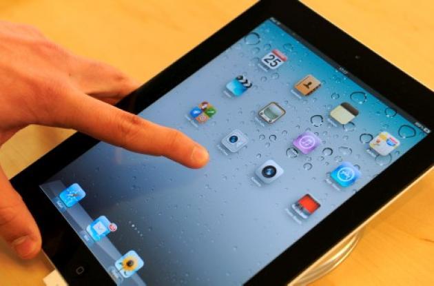 Diarios y revistas inconformes con Apple y su i iPad.