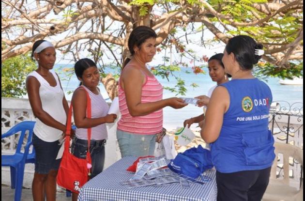 Distrito llegó con oferta social a Isla Fuerte.