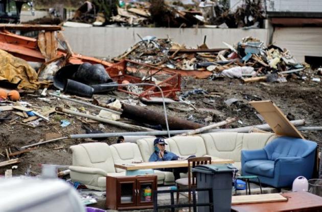 Japón busca rescatar cuerpos de miles de personas fallecidos durante el tsunami,