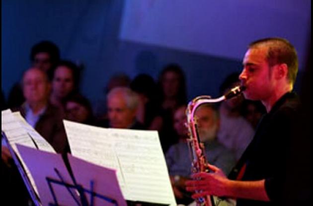 El saxofonista Josetxo Silguero ofrece un concierto en el CFCE.