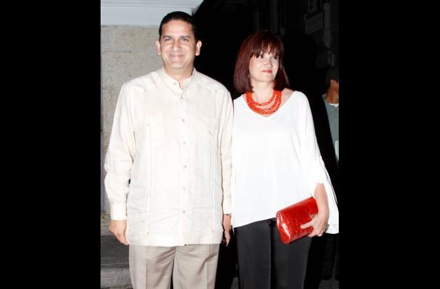 Juan Carlos Gossaín y Ana Elvira Gómez de Gossaín.