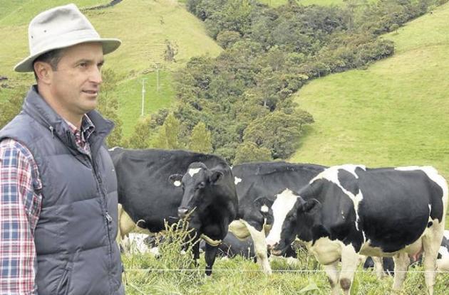 Juan Guillermo Luna, ganadero, zootecnista, propietario de la Hacienda San José