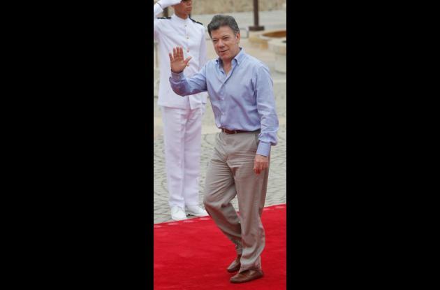 Juan Manuel Santos, sobrio en su vestir.