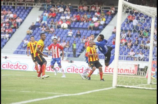 Junior superó 2-1 anoche a Deportivo Pereira