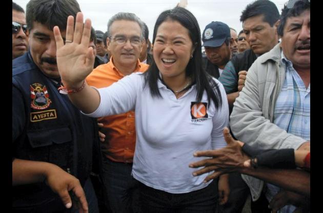 Keiko Fujimori encabeza encuestas para Presidencia de Perú.